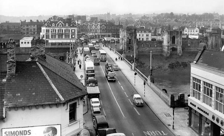 Newport Town Bridge - towards town