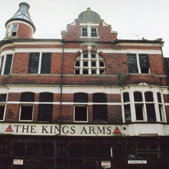 Kings Arms - main road side